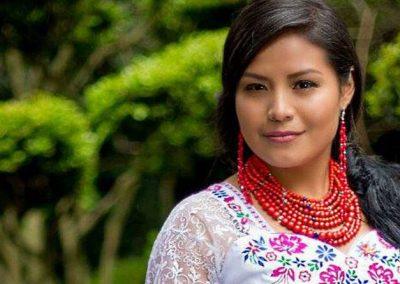 Luz Mikaela primera reina indígena de Riobamba