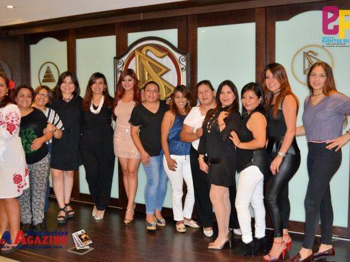 Reconocimiento a la artista ecuatoriana Katty Egas por su brillante trayectoria artística por parte de la Plataforma Acción Social Unida.