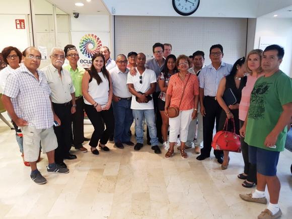 Embajador de Ecuador en España ratifica la apertura al diálogo con migrantes de su país