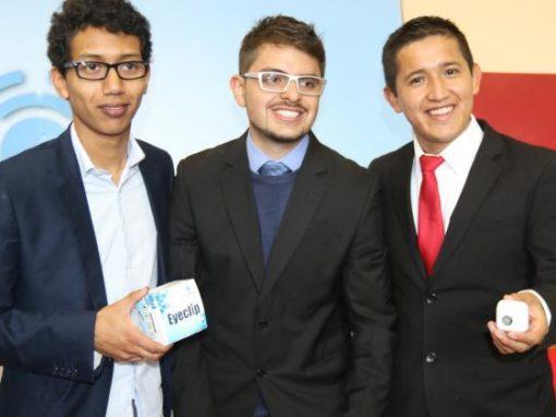"""Sale al mercado """"Eyeclip"""", un dispositivo ecuatoriano que ayuda a la movilidad de personas no videntes"""