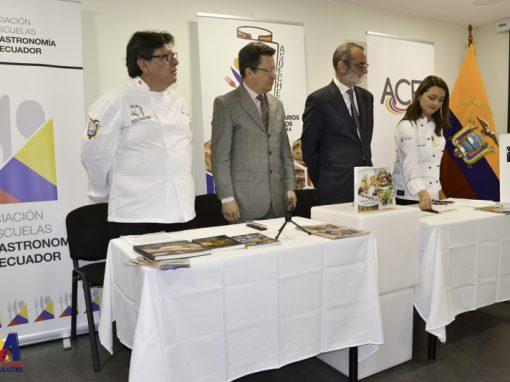 ECUADOR Y ESPAÑA FIRMAN UN CONVENIO PARA ECUATORIANOS CON HABILIDADES CULINARIAS.