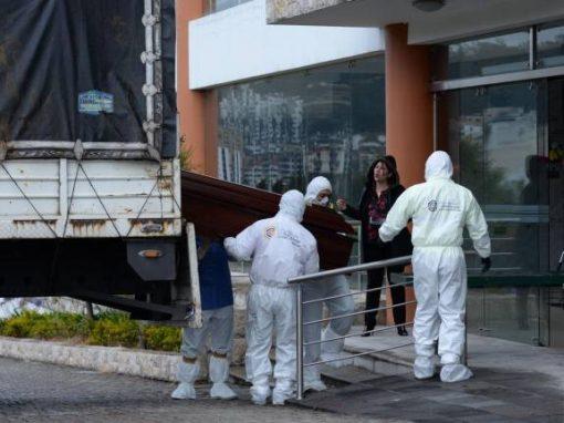 El coronavirus desborda Ecuador y abruma a su población por la acumulación de cadáveres en casas