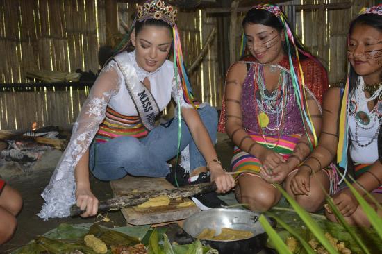 La Miss Universo compartió en Santo Domingo de los Tsáchilas