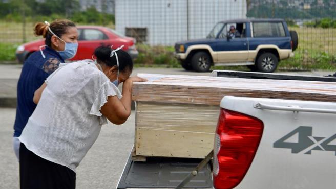 Ecuador, uno de los países de América Latina más afectados por el Covid-19: «Las personas se mueren en la calle