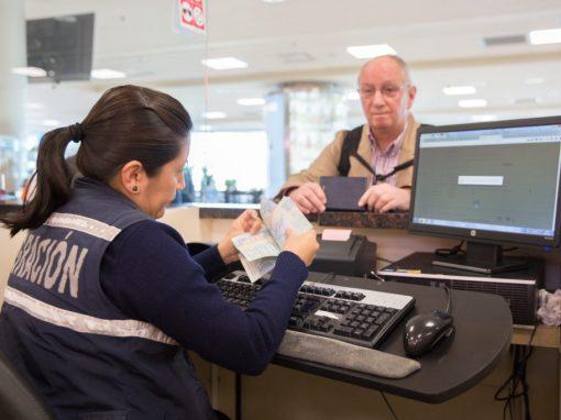 Ecuatorianos en el exterior podrán utilizar sus pasaportes caducados hasta el 28 de febrero de 2021