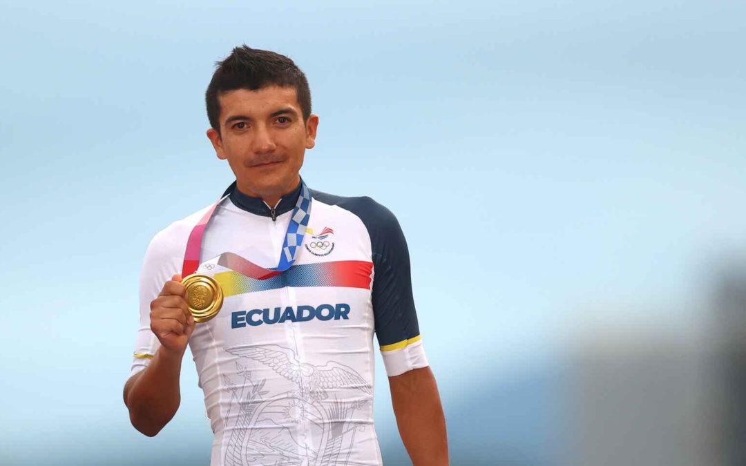 Carapaz y la historia de Luis, su escolta motorizado en Ecuador