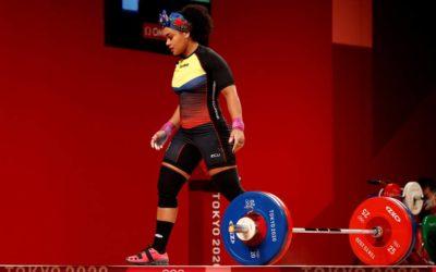 La atleta Neisi Dajomes le da a Ecuador la medalla de oro en halterofilia